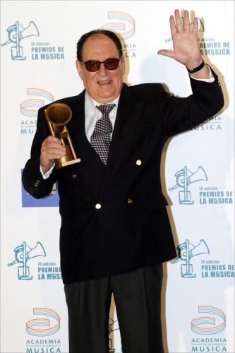En 2005 en los Premios de la Música, recibiendo el premio de honor