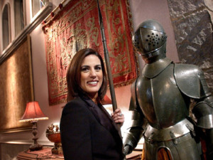 Alicia Senovilla jugando a ser la sota de bastos en otro museo