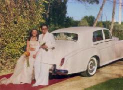 En su boda, vestidas de blanco, como Fangoria en El Extraño Viaje