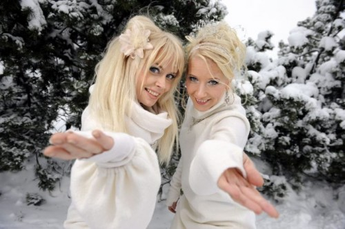 Cuenta la leyenda que estas dos se aparecen a los niños finlandeses que se portan mal