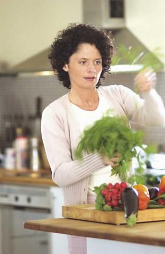 Ella igual te da los votos de Eurovisión que te prepara un caldo de verduras Knorrr Ella igual te da los votos de Eurovisión que te prepara un caldo de verduras Knorrr