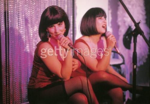 Señoras que salen en el Getty, como Lady Gaga, aunque también serviría para un spin-off de Getty no para