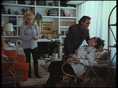 Paloma Cela muere apuñalada. ¿Cuántos centímetros habría que hincarle para dañarle un órgano vital a una mujer tan robusta?