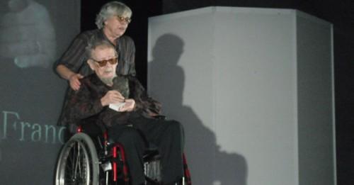 Jesús Franco recibiendo el premio Valdemar Daninski en Estepona