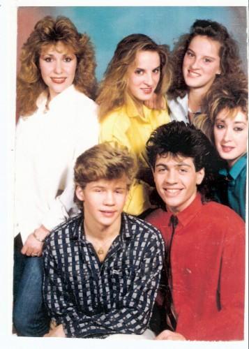 Con un look muy Salvados por la campana, en 1987 Parchís eran seis componentes, como las Papá Levante