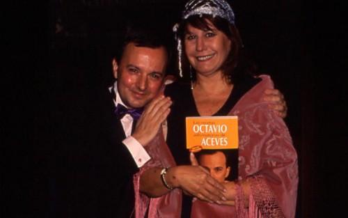 Y si no os gusta el de Cristina, Esperanza recomienda el de Octavio Acebes
