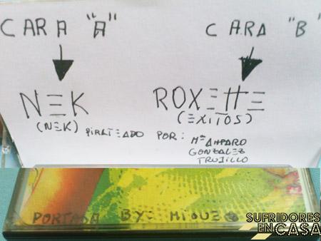 La flecha indica qué artista canta en cada cara del cassette, por si había dudas
