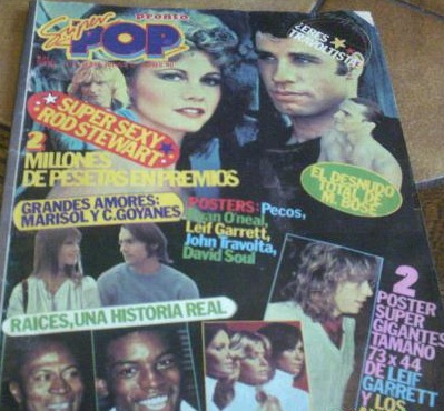 John Travolta, el padre de Caritina y el desnudo de Miguel Bosé en una misma portada. Supera eso, Tom!