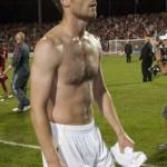 Apueste por una: Gerard Piqué vs Xabi Alonso