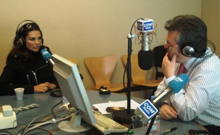 Sylvia habló en Radiolé, pero como no hay foto ponemos una de ella en esta otra emisora rándom
