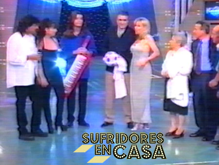 """Junto a Ana Obregón, dando una sorpresa a un fan en el programa """"Gracias por todo"""""""