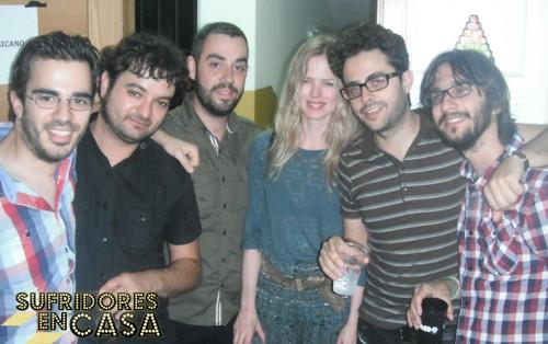 Christina Rosenvinge junto a El País Musicano, en un momento camerino