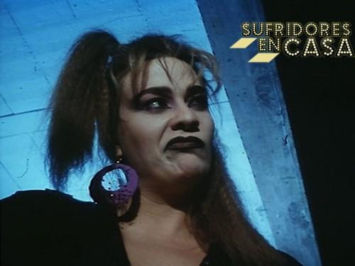 Marta como Lola en La Noche el Ejecutor, película en la que incluso realiza una castración