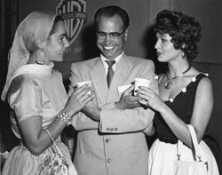 Elisabeth Taylor, Sara Montiel y Armando del Moral, en una época en la que las fotos en color eran muy caras