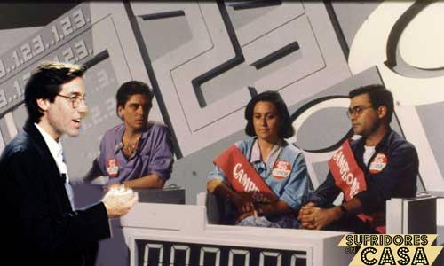 Dramatización de Emilio Aragón presentando el Un Dos Tres