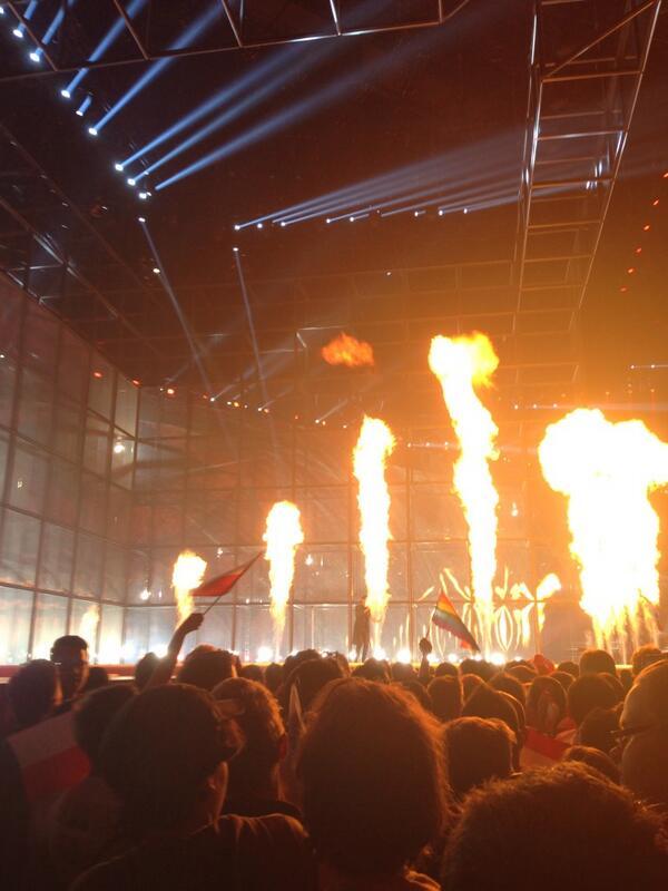 El fuego está encendido, Eurovisión ardeee (léase en tono Pantoja)