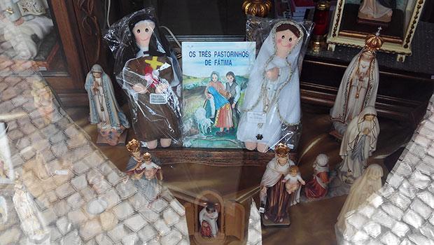 Muñeca-Virgen-de-Fatima