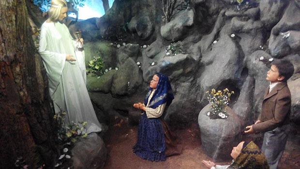 Museo-de-cera-Apariciones-Fatima-Angel