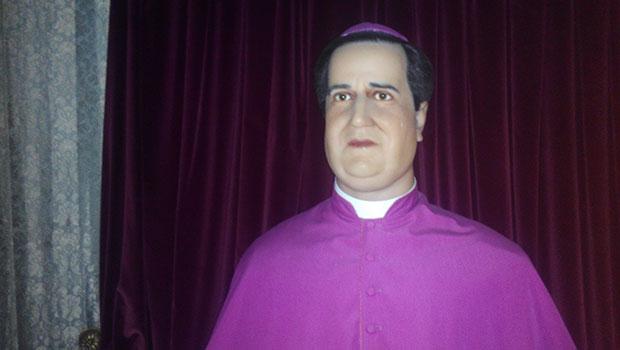 Museo-de-cera-Apariciones-Fatima-Obispo