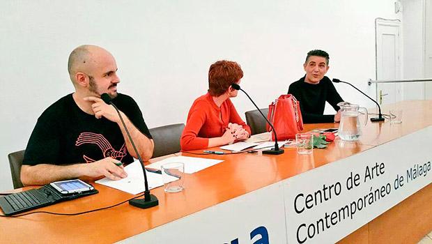 Más gente que en la boda de Lolita en la presentación de 'No me toques los 90' en Málaga