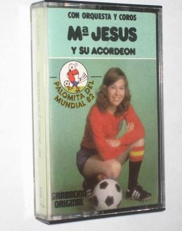 Maria Jesus y su Acordeon Futbol