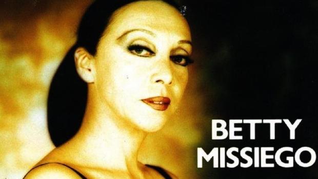Himno gay: 'Tú me preguntaste', el 'A quién le importa' de Betty Missiego