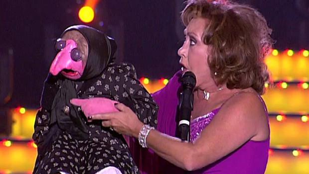Mari Carmen y sus muñecos y otras señoras que desmienten su muerte