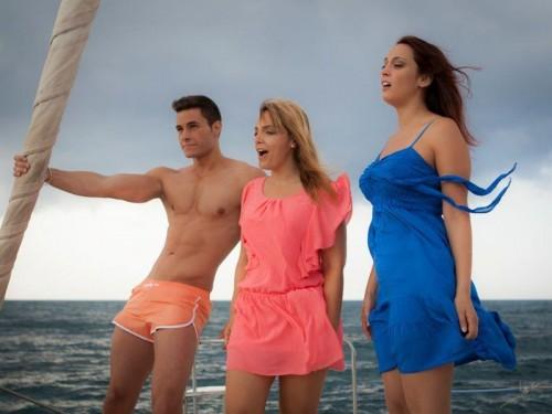 El maromo, Anabel y Cristina Conde durante el rodaje del videoclip del tema Paraíso