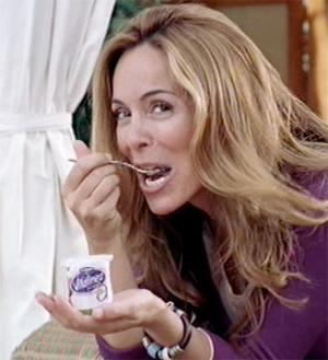 Lydia Bosch come un yogur que le han mangado a Paz Vega